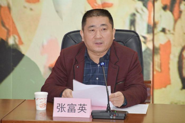 原副总编吴殿彬;资深记者,《泰安日报》社新闻研究所副主任韩庆全及