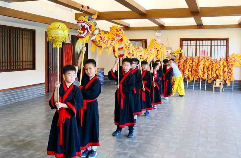 中联润骐教育国学研修营献礼祖国70华诞
